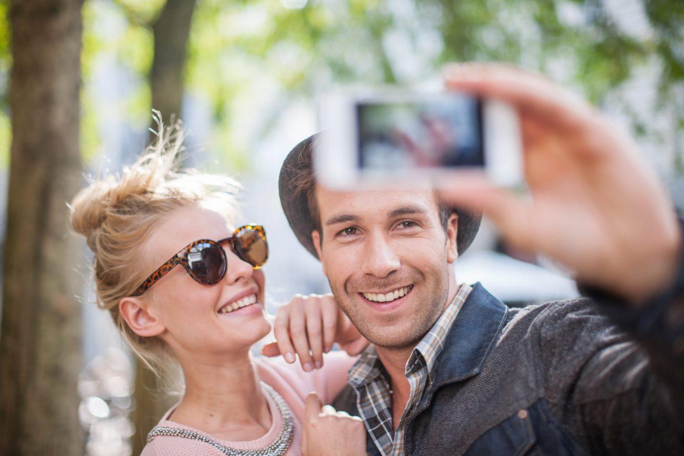couple-selfie-amoureux